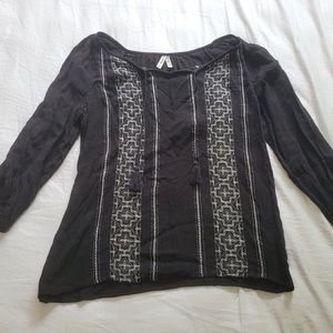 Black patterned lightweight top